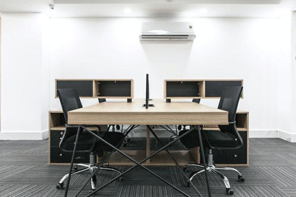 Chỗ ngồi linh hoạt tại Arental được trang các thiết bị văng phòng hiện đại