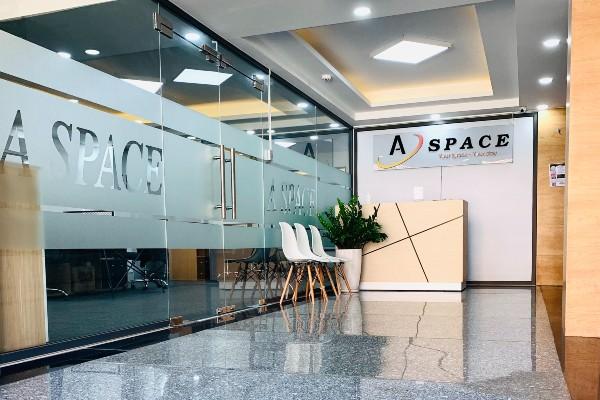 Khu lễ tân tại tòa nhà văn phòng cho thuê A Space Office Building Phú Nhuận